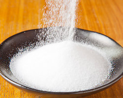 塩は天然の岩塩を使い丁寧に 素材の味を引き出しています!