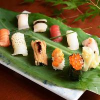 柳橋市場直送鮮魚を職人が握るお寿司やを創作和食で愉しめる
