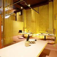 ふわふわマットレスの可愛らしい個室は女子会にぴったりの空間!