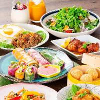 【ベトナム料理を満喫】 生春巻きやナシゴレンなどがズラリ