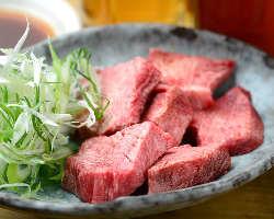 豊富な焼肉メニュー。黒毛和牛(A4ランク以上)も愉しめます!