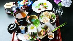 【完全個室】 接待や顔合わせなど改まった場面に最適な上質空間