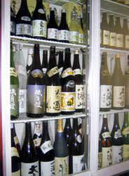 酒匠が厳選した日本酒百種類以上 揃ってます。