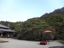 三〇〇〇余坪の桃山造りの庭園