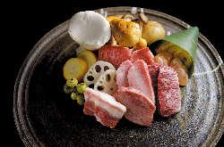 焼肉八種と旬野菜 2名様~お一人様3130円