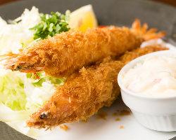 名古屋めしの定番!大ぶりな海老で食べ応え◎の『大海老フライ』