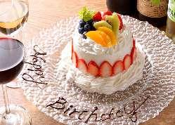 お誕生日や記念日、歓送迎会にも大活躍の豪華なデザートプレート