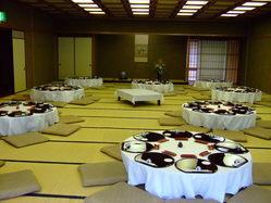最大ご宴会80人様まで可能です。送迎も承っております