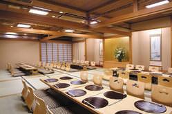 お座敷 広間最大48席 10名様までの個室にする事も可能です。