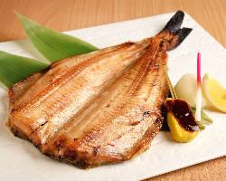 【旬魚を味わう】 季節に合わせて使用するお魚も替わります