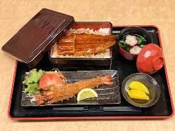 ボリューム満点! 21㎝の海老フライ定食 842円