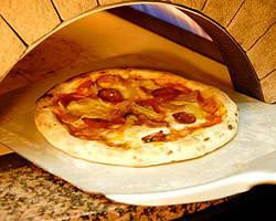 本格ピザ窯で焼ピザ