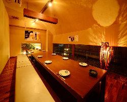 2つの雰囲気の異なる個室も◎