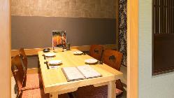 優雅で快適な食空間としてお過ごし頂ける和の個室は4名様まで。