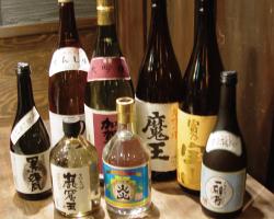 伊豆の新鮮な魚介を肴にお酒も豊富にご用意しております。