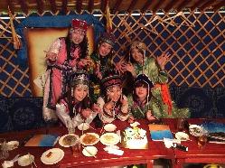 モンゴル伝統家屋のゲル。15名様までの少人数個室もご用意!