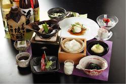 お豆腐専門店の懐石料理を是非ご堪能下さい。