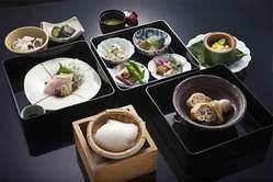 豆腐御膳三段重(2,160円)