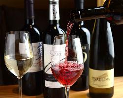 姉妹店Isolaのソムリエ監修の厳選ワインをご用意!