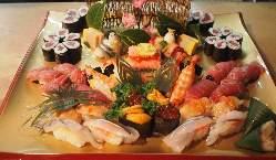 天ぷら、刺身、ちらしの重。県外、国外の方人気『清須城ちらし』