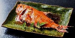 稲取産の金目鯛の姿煮(半身)1890円
