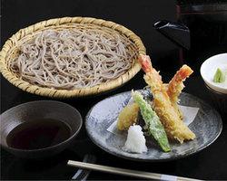 松本産、安曇野産、蕎麦粉を使った、手打ち蕎麦も食べれます。