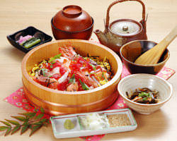 三つの食べ方で美味しさ倍増 海鮮茶漬けが旨い