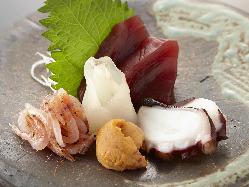 市場で出会った一期一会の新鮮魚介をご提供!人気の刺身盛合わせ