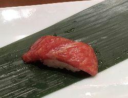 松阪牛の鮨 まるで大トロの如し