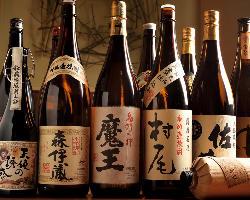 プレミアムなものから隠れた銘酒まで!焼酎の品揃えは150種類!