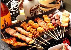 お酒に合う、焼き鳥、逸品料理を多数ご用意しております。