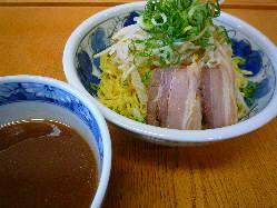 濃厚魚介つけ麺780円(税込)