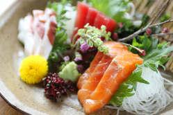 新鮮鮮魚を贅沢に盛り合わせ!