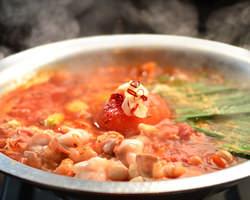 リコピン豊富!トマトもつ鍋 程よい酸味が後味さっぱり 1580円