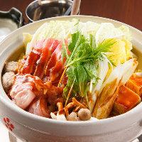錦爽鶏や秀麗豚など地元の食材にこだわった料理をご提供します。