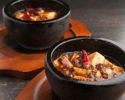辛さの選べる石鍋麻婆豆腐は人気No.1!この辛さが堪りません