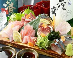三重県に来たら本場の伊勢エビを!言わずと知れた高級食材です。