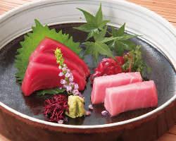 定番モノや希少な旬の魚介の美味しさを堪能するにはお刺身が◎