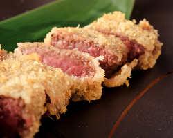 大塚牛のモモ肉をレアで味わう「絶品 牛カツ レア仕立て」