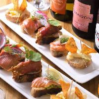 約80種のワインと一緒に楽しむタパスも豊富にご用意しています♪