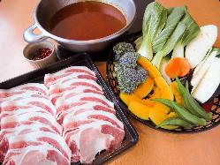 牛肉も豚肉も国産尽くしのコースが好評♪5,500円(税込)