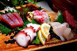 毎朝柳橋で仕入れる鮮魚は鮮度抜群です。