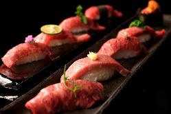 厳選部位を一皿に。テーブルを華やかに彩る肉寿司上盛り合わせ。