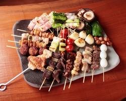 美味鳥の串焼きは臭みがなく、新鮮な一品となっております!