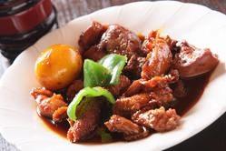 甲州名物『鳥もつ煮』食べ比べてみるのもおもしろいですよ。」