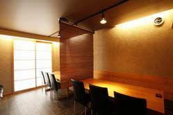 テーブル席ご利用人数によって個室としてもお使いいただけます。