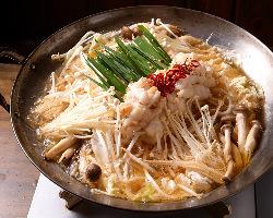 プリプリの国産もつ使用のもつ鍋はスープにもこだわっています!