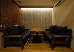 ソファー席 6名 ソファ席のみ完全禁煙席となっております