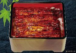 榛原郡吉田町の問屋直送活うなぎを自慢のタレで焼き上げます。