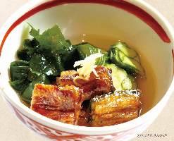 関西では、涼しく酢の物でいただきます。